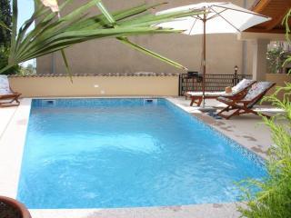 SINKOL-A1 - Brodarica vacation rentals