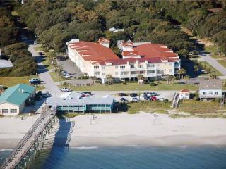 Beach Retreat #106 700 Ocean Drive - Oak Island vacation rentals