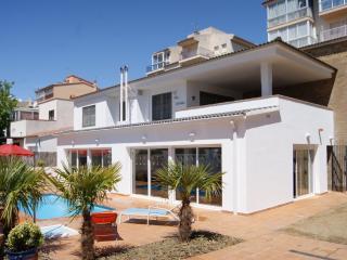 Las Acacias - Roses vacation rentals