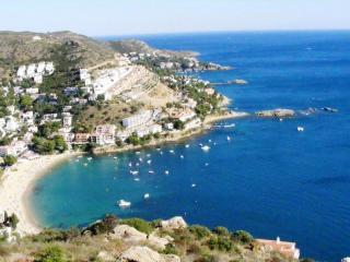 Terrasses de Mar 28B - Sant Pere Pescador vacation rentals