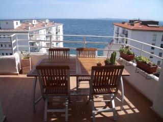 Neptuno - L'Escala vacation rentals