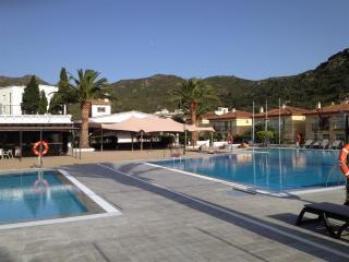Rescator Resort 302 - Costa Brava vacation rentals