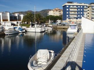 Cap Blanc - Roses vacation rentals