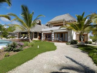 villa cayuco #1 haven in paradise, next to the golf course and beach - World vacation rentals