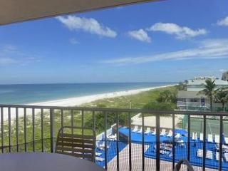 ATB 163116 Indian Rocks Beach 3 Bed 2 Bath Gulf Front Condo!!! - Indian Rocks Beach vacation rentals