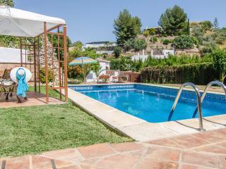 ANDALUSIAN VILLA IN NERJA WITH SWIMMING POOL - Nerja vacation rentals