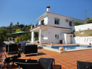 Red Box Apartment 2 at Casa Como Free WiFi and A/C - Vinuela vacation rentals