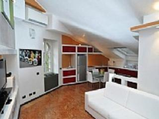 Appartamento Gervaso A - Como vacation rentals