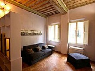 Appartamento Cino B - Siena vacation rentals