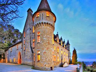 Chateau De Ruffiac - Saint-Julien-de-Lampon vacation rentals