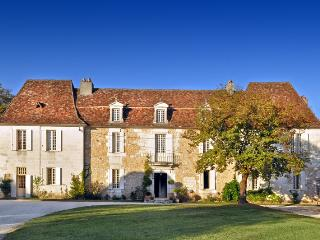 Chateau De Neveu - Pezuls vacation rentals