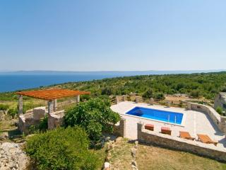 Stone houses with private pool, sea view - Sumartin vacation rentals