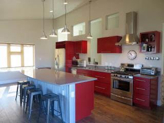 7th Street Station - Downtown New Mtn Modern Home - Glenwood Springs vacation rentals