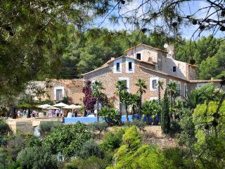 Casa Le Font - Sant Pere de Ribes vacation rentals