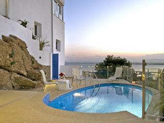 Aureliano - Roses vacation rentals