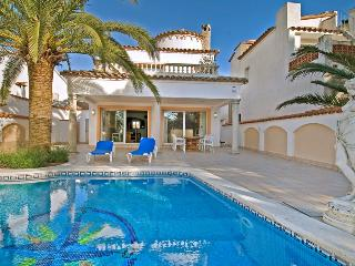 Casa Danzantes - L'Escala vacation rentals