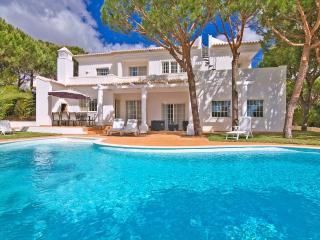 Casa Tinto - Manta Rota vacation rentals