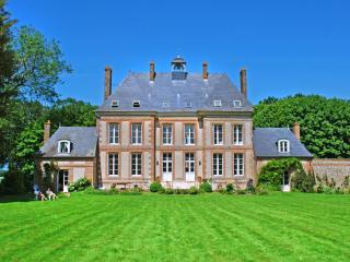 Chateau D'emerveillement - Le Hanouard vacation rentals