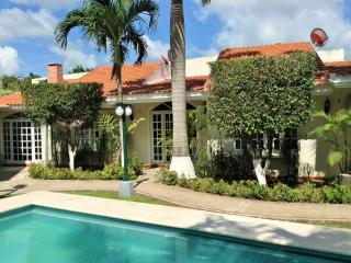 Two Bedroom Villa with Outdoor Pool in Cancun - Cancun vacation rentals