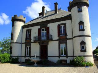 Chateau De Giats - Giat vacation rentals