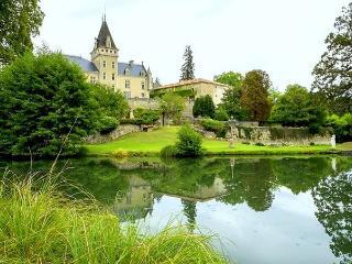 Chateau De Lys - Condom vacation rentals