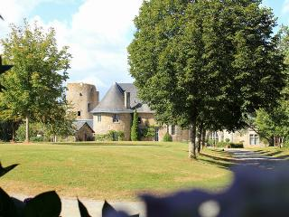 Chateau Flacelliere Pavilion - Western Loire vacation rentals