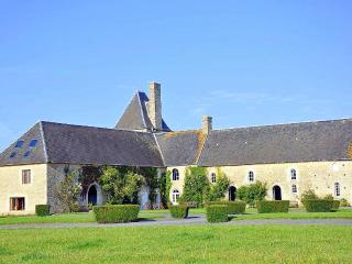 Le Chateau Normandie - Canchy vacation rentals