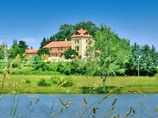 Maison Magique - La Courtete vacation rentals