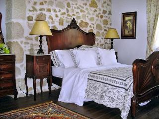 Maison Le Bitoulet - Peux-et-Couffouleux vacation rentals