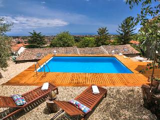 Villa Visso - Viagrande vacation rentals