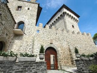 Castello Gubbio - Monteluiano vacation rentals