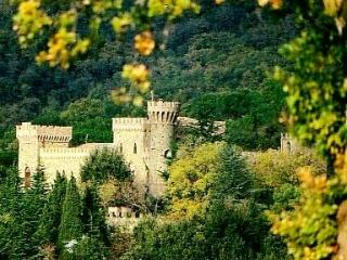 Castello Medievale - Fontignano vacation rentals
