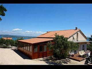 00410BETI  A1(6+2) - Betina - Betina vacation rentals