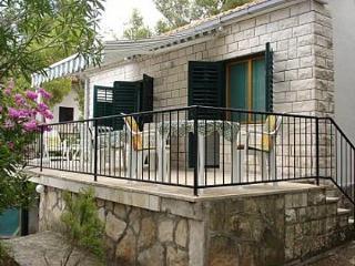 4912 H(4+1) - Splitska - Splitska vacation rentals