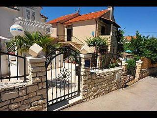 4973 Djuli A1(4+1) - Sutivan - Sutivan vacation rentals