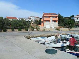 4995 A3(2+2) - Lukoran - Island Ugljan vacation rentals