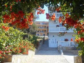 5068 A2(4+2) - Kali - Pasman Island vacation rentals