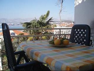 5121  A4(6) - Okrug Gornji - Okrug Gornji vacation rentals