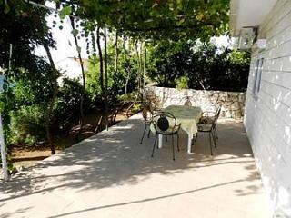 5141  A1(2+2) - Okrug Gornji - Okrug Gornji vacation rentals