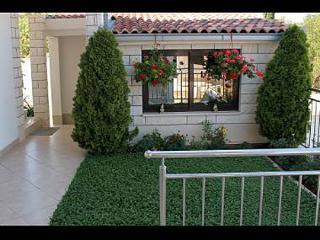 5165  A4(2+2) - Okrug Gornji - Okrug Gornji vacation rentals