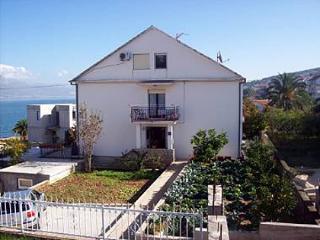 5164  A1(4+2) - Mastrinka - Island Ciovo vacation rentals