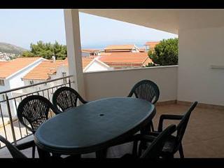 5165  A3(4+2) - Okrug Gornji - Okrug Gornji vacation rentals