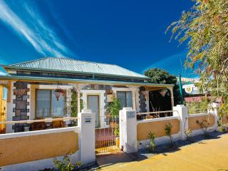 Emaroo Oxide - Broken Hill vacation rentals