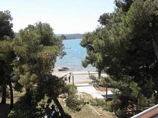 5553 A2(2+2) - Pirovac - Pirovac vacation rentals
