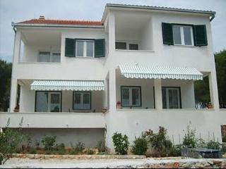 5575  A2(2+1) Marijan - Cove Osibova (Milna) - Cove Osibova (Milna) vacation rentals