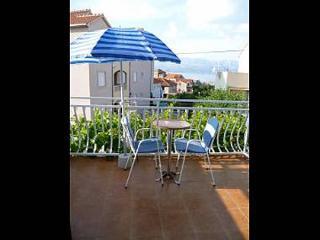 5644  SA1(2) - Supetar - Supetar vacation rentals