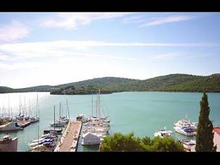 5652  A2(4+1) - Tisno - Tisno vacation rentals