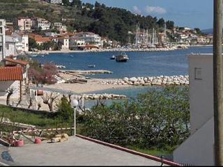 5711 A1(4+2) - Suhi Potok - Krilo Jesenice vacation rentals