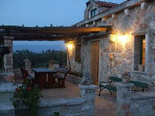 8057  H(4+1) - Supetar - Supetar vacation rentals