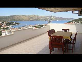 8213  A1(4+2) - Seget Vranjica - Seget Vranjica vacation rentals